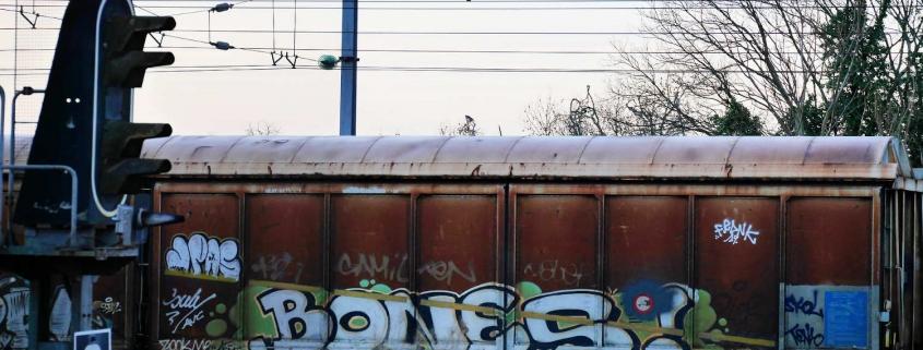 trains grafitti track trace