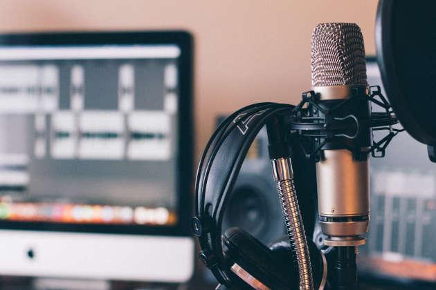 microphone headphone digital filters audio engineer DSP noise